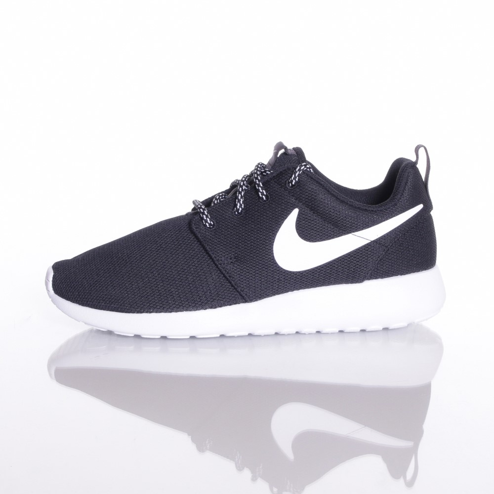 Image of   Nike - Womens Roshe One